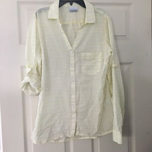 Columbia button down tab sleeve blouse 👚 M